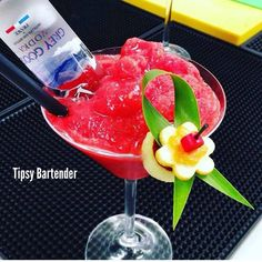 Drunk Goose Cocktail - For more delicious recipes and drinks, visit us here: www.tipsybartender.com