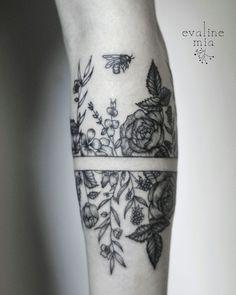 Botanical armband tattoo 1/3
