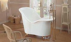 Fre-standing small soaking tub.  gruppo-treesse-moulin-rouge-bathtub.jpg
