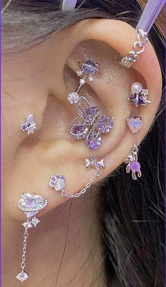 Ear Jewelry, Cute Jewelry, Body Jewelry, Jewelery, Pretty Ear Piercings, Face Piercings, Lip Peircings, Different Ear Piercings, Ear Piercings