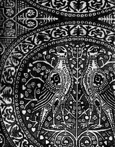 """Falken im Medaillon"" Ende Book from Fischbach ""Historic Textile Patterns"" Falke 2 Textile Fabrics, Textile Patterns, Print Patterns, Medieval Tapestry, Art Chinois, Islamic Patterns, Matchbox Art, Steampunk House, Art History"
