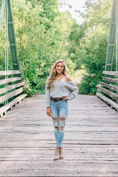 Katelyn C. Glenelg High School Class of 2020 A gorgeous early fall senior session. Summer Senior Pictures, Senior Photos Girls, Senior Girl Poses, Senior Session, Photos Of Girls, Outfits For Senior Pictures, Fall Senior Pics, Cowgirl Senior Pictures, Outside Senior Pictures