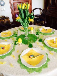 Alegre mesa de celebración de la Pascua