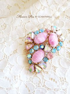 ピンクとブルーのヴィンテージブローチ Schiaparelli(スキャパレリ) Girls World, Little Things, Beaded Embroidery, Costume Jewelry, Pink Blue, Jewelery, Jewelry Accessories, Pearls, Vintage