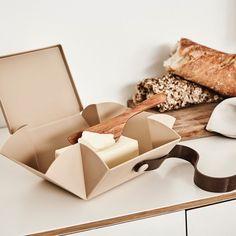 Uhmm is de ideale lunch box die je uitvouwt tot een bord. Lunch Box
