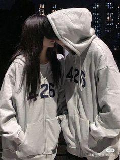 Boyfriend Goals, Anime Boyfriend, Relationship Goals Pictures, Cute Relationships, Cute Couples Goals, Couple Goals, Cartoon Kiss, Korean Couple Photoshoot, Boy And Girl Best Friends