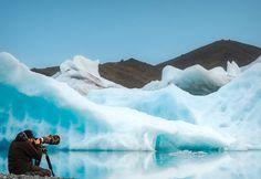 Participa hasta el 31 de agosto en el XI Concurso de Fotografía El Foton elfoton.com #elfoton15 categoría #Aventura Usuario: mpereda (Islandia) - El Reino de los Hielos - Tomada en Lago Jökulsárlón el 09/07/2013 #photos #travel #viajes #igers #500px #Picoftheday #Fotos #mytravelgram #tourism #photooftheday #fotodeldia #instatravel #contest #concurso #instapic #instaphoto #Islandia #Lago #Jökulsárlón #Iceland Rafting, Insta Photo, Iceland, Mountains, Nature, Travel, Pageants, World, Pageant Photography