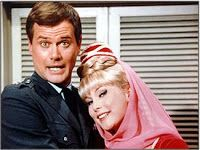 Barbara Eden and Larry Hagman in I Dream of Jeannie TV show, from 1965 to lov this show! oldies but goodies! Even though I am a kid 60s Tv Shows, Great Tv Shows, I Dream Of Jeannie, Beatles, Mejores Series Tv, Cinema Tv, Barbara Eden, Bon Film, Childhood Tv Shows