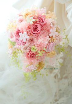 プリザーブドフラワーブーケと花冠 南青山サンタキアラ教会様へ : 一会 ウエディングの花