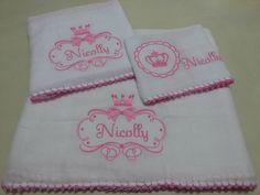 Kit com uma toalha fralda de 1.20 x 70 cm  uma fralda de 70x70  uma fraldinha de boca  Personalizada como desejar  Acabamento em croche - Diversas Cores  COD - 54121381948