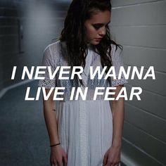 Imagem de Lyrics, bea miller, and song