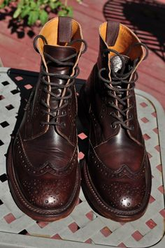I used to borrow boots like this from my older sister when I was in art college. Me Too Shoes, Men's Shoes, Dress Shoes, Trickers Shoes, Narrow Shoes, Look Man, Red Wing Shoes, Best Shoes For Men, Brogues