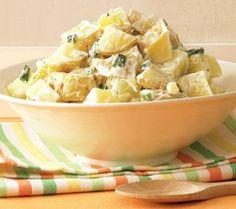 Frisse salade van aardappel en appel met verse bieslook - Lekker Tafelen
