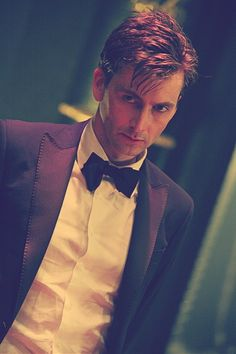 David Tennant in a tux! (A very classy tuxedoguy indeed!)