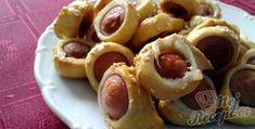 Párty kolečka | NejRecept.cz Waffles, Sausage, Dishes, Meat, Vegetables, Fruit, Breakfast, Ethnic Recipes, Food