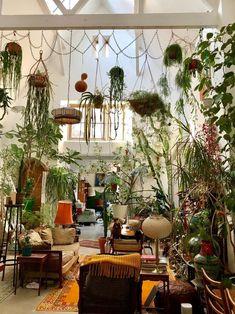 Jungle Bathroom, Plant Magic, Room With Plants, Plant Aesthetic, Small Room Design, Bedroom Plants, Gardening, Plant Design, Plant Decor