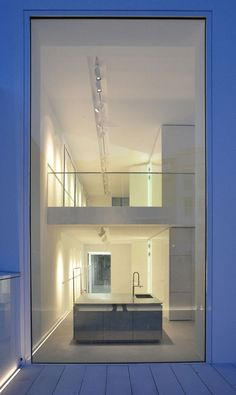 Image 5 of 11 from gallery of Townhouse Oberwall / Apool Architects. Courtesy of Apool Architects Residential Architecture, Contemporary Architecture, Amazing Architecture, Architecture Details, Interior Architecture, Exterior Design, Interior And Exterior, Villa, Windows And Doors