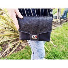 Sandrine__13w sur Instagram: J'avais besoin d'un petit sac noir, j'ai choisi le #menuet pour pouvoir faire un comparatif avec mon patron maison ( sur lequel je n'ai…