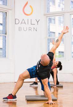 10 Yoga Poses to Beat Stress | Yoga Posen, Flache Schuhe und Orte