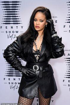 Mode Rihanna, Rihanna Style, Rihanna Fenty, Rihanna Fashion, Photos Rihanna, Bella Hadid Photos, Divas, Lingerie Look, Irina Shayk Photos