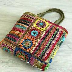 Free Crochet Bag, Crochet Purse Patterns, Crochet Clutch, Crochet Motifs, Freeform Crochet, Crochet Handbags, Crochet Purses, Filet Crochet, Crochet Geek