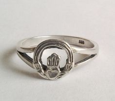 Vintage Claddagh Ring Unique and Unusual sterling 6 delicate