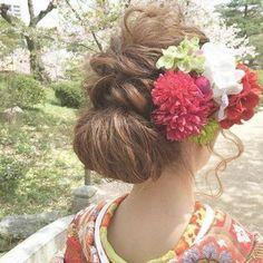 ゆるふわ感が可愛い♡ Dress Hairstyles, Wedding Hairstyles, Japanese Wedding, Hair Arrange, Hair Setting, Japanese Hairstyle, Japanese Outfits, Kimono Fashion, Bridal Hair