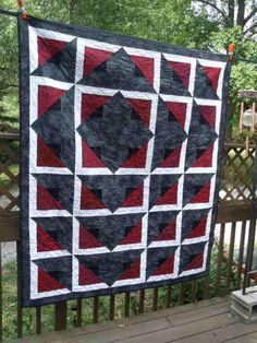 Quilt interpretation of 'Radiant' pattern by Daniela Stout. Pattern available at cozyquilt.com. Link to page is  http://cozyquilt.com/Aspx/ProductDetails.aspx?productID=1564.
