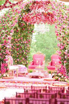 Amazingly beautiful floral mandap design | The Maharani Diaries