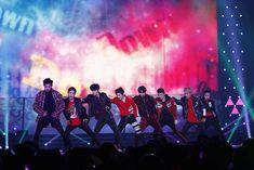 Find images and videos about kpop, exo and chanyeol on We Heart It - the app to get lost in what you love. Exo Ot9, Exo Chen, Park Chanyeol, Baekhyun Wallpaper, Exo Concert, Exo Album, Exo Official, Exo Lockscreen, Kim Jong Dae