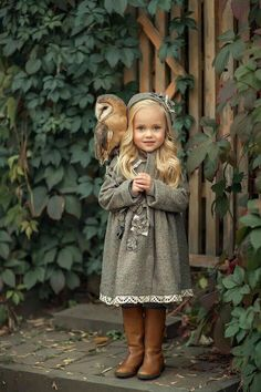 """God says: """"One must be like a child in order to see the kingdom of God. - The most beautiful children's fashion products Precious Children, Beautiful Children, Beautiful Babies, Beautiful People, Animals For Kids, Cute Baby Animals, Cute Photos, Cute Pictures, Cute Kids"""