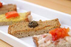 Käferbohnenaufstrich Austrian Recipes, Cornbread, Banana Bread, Food And Drink, Ethnic Recipes, Desserts, Tobias, Hummus, Pesto