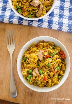 Slimming World Coconut Chicken Curry Rice - gluten free, dairy free, vegetarian, Slimming World and Weight Watchers friendly Healthy Foods To Eat, Healthy Dinner Recipes, Indian Food Recipes, Diet Recipes, Chicken Recipes, Healthy Snacks, Healthy Eating, Cooking Recipes, Recipies
