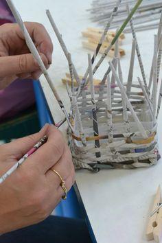 pletení z papíru v DDM Libertin