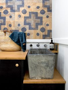 Melanie Clark and Joe Ottone and Family (The Design Files) Small House Design, Laundry Design, Humble House, Laundry Room Bathroom, Tile Bathroom, Kitchen Finishes, Laundry In Bathroom, Concrete Sink, Bathroom Design