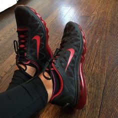 NIKE AIR MAX NIKE AIR MAX black and red, super cool. These are a MENS SIZE 8.5 converts to a WOMEN'S size 9.5/10. Great condition, barely worn! Nike Shoes Sneakers
