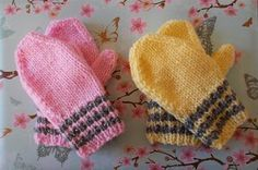 The only thing cuter than tiny toddler fingers are those kept warm by tiny knit mittens. Keep those little hands warm this season in the Striped Toddler Mittens. This adorable baby mitten pattern has a simple stockinette stitch construction. Crochet Baby Mittens, Toddler Mittens, Knitted Mittens Pattern, Knit Mittens, Knitted Gloves, Fingerless Gloves, Baby Knitting Patterns, Free Knitting, Crochet Patterns