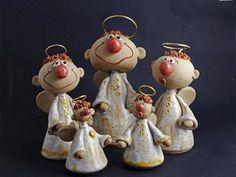 Keramikdeko zu Weihnachten und Ostern