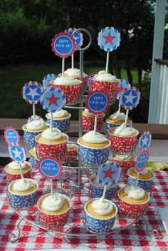 "fourth of july printables from ""Tomkat Studio"" via Groopdealz."