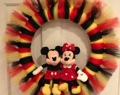 Items similar to Mickey and Minnie Wreath on Etsy Mickey Mouse Wreath, Mickey Mouse Crafts, Mickey Mouse Decorations, Tulle Crafts, Wreath Crafts, Diy Wreath, Christmas Mesh Wreaths, Christmas Ornaments, Disney Diy Crafts