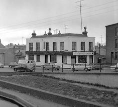 O'Looneys, Harolds Cross 1965 Ireland Pictures, Images Of Ireland, Old Pictures, Old Photos, Photo Engraving, Dublin City, Dublin Ireland, Historical Photos, Great Photos
