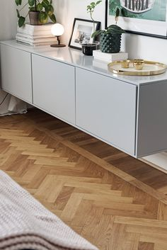 〚 Scandinavian apartment with black kitchen sqm) 〛 ◾ Photos ◾Ideas◾ Design 〚Skandinavische Wohnung mit schwarzer Küche qm)〛 ◾ Фото ◾Идеи◾ Дизайн Home Interior, Interior Design Living Room, Living Room Designs, Muebles Rack Tv, Home Living Room, Living Room Decor, Scandinavian Apartment, Living Room Accessories, Deco Furniture