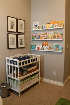 21 Cool Idea To Organize A Mini Kids Library Or Kids Book Display Kidsomania Ikea Storage Shelves, Book Shelves, Wall Shelves, Golf Nursery, Nursery Room, Nursery Ideas, Baby Storage, Kids Library, Baby Bedroom