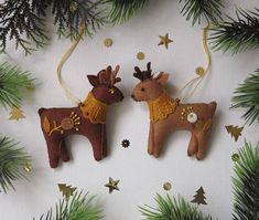 Felt  cristmas toysFelt cristmas ornamentsSET 2 felt toys Felt Crafts, Diy Crafts, Finger Puppet Patterns, New Years Tree, Christmas Diy, Christmas Ornaments, Felt Patterns, Felt Toys, Small Gifts