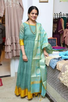 Convert Old Silk Saree Into Beautiful Gown - Indian Fashion Ideas Kids Blouse Designs, Kurta Designs Women, Saree Blouse Designs, Dress Designs, Saree Gown, Sari Dress, Anarkali Dress, Lehenga, Long Gown Dress