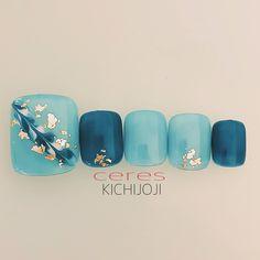ネイルデザインを探すならネイル数No.1のネイルブック Pretty Toe Nails, Cute Toe Nails, Toe Nail Art, Feet Nail Design, Toe Nail Designs, Flower Pedicure Designs, Japan Nail Art, Lily Nails, Feet Nails
