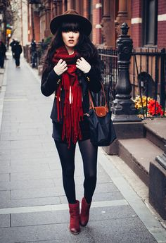 Scarf c/o Crossroads Shop, Boots c/o Seychelles, secondhand Longchamp bag and old military blazer.