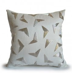 Couch pillow cover in white dupioni faux silk with silver geometric pattern for a art decor and modern look. Use this cushion cover in your home or dorm or as a gift for wedding, anniversary, housewar