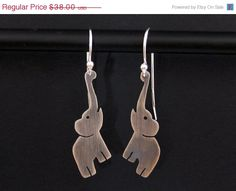 Love these Elephant earrings… made from shrinky dinks instead of buying #Elephants