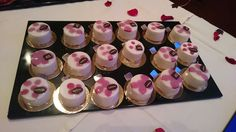 Framboise, litchi au Grand Marnier , 12/10/2015 Athens Airport, Grand Marnier, Four Square, Breakfast Recipes, Desserts, Food, Tailgate Desserts, Deserts, Essen